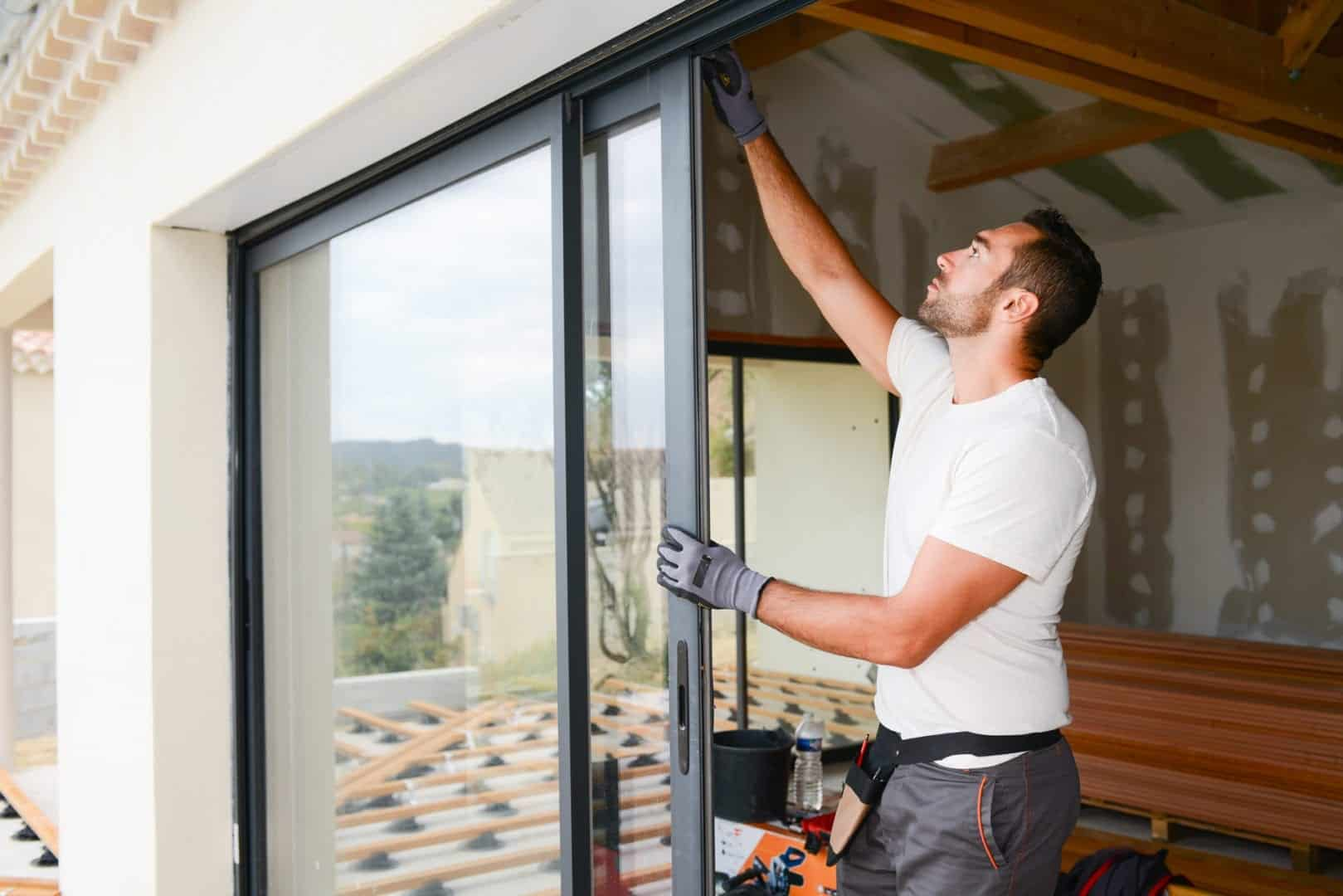 window covering installer