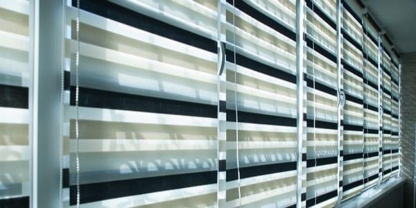Alternating blinds